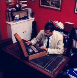 Simon Singh, with an original Enigma machine